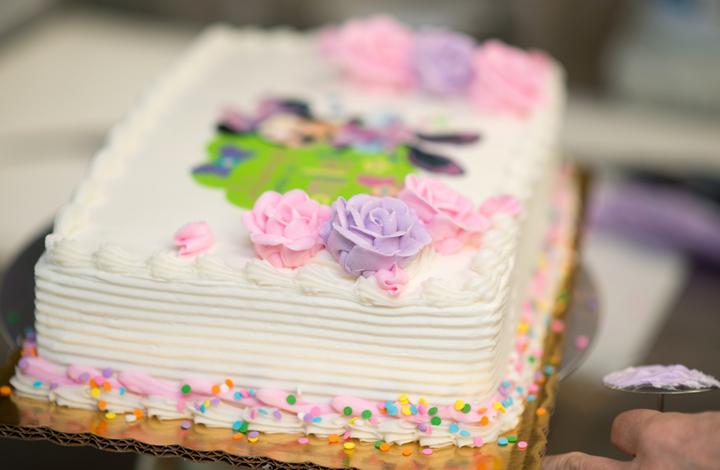 How to Order a Custom Cake